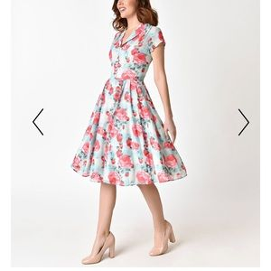 72a3973134a7 Hell Bunny Dresses - Hell Bunny 1950s Mint Floral Suzannah Swing Dress